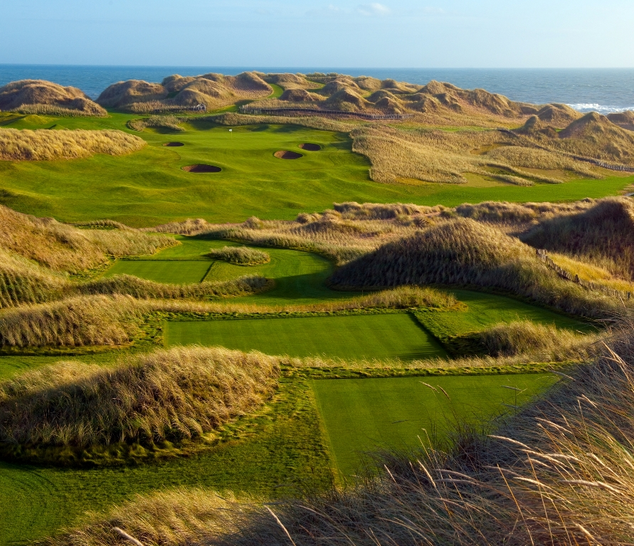 Départ sur le parcours du Trump International Golf Links Scotland