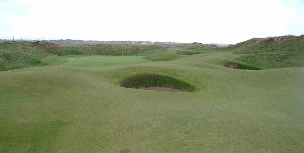 Green et bunkers sur le parcours de Western Gailes