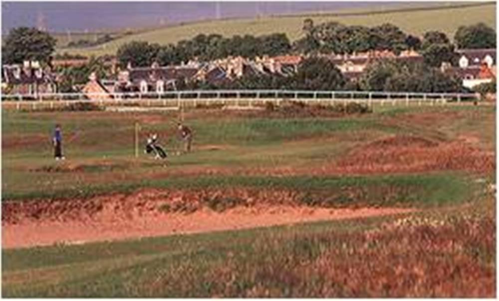 Golfeurs sur le parcours de Musselburgh Old