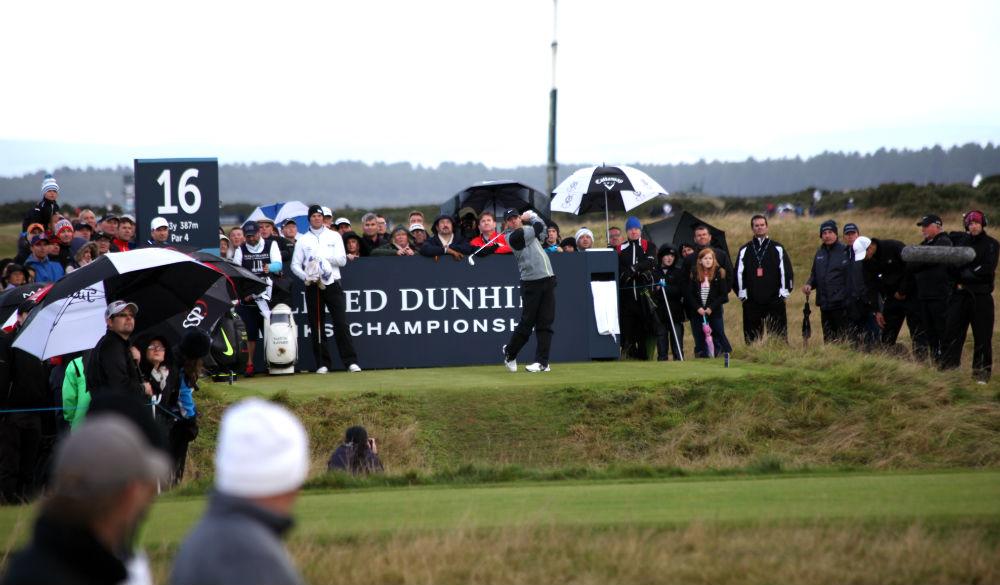 Rory McIlroy au départ du 16 de KIngsbarns lors de la compétition Alfred Dunhill Links en Ecosse