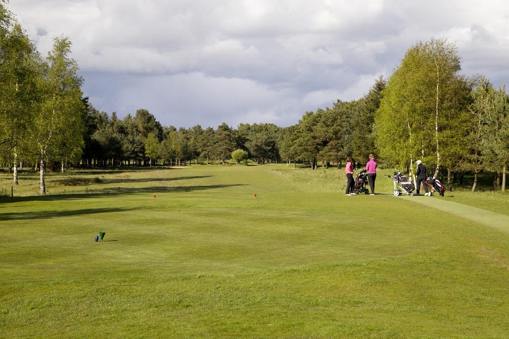 Un fairway du golf de Ladybank.