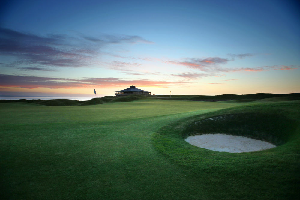 Green et coucher de soleil lors du SSE Scottish Senior open