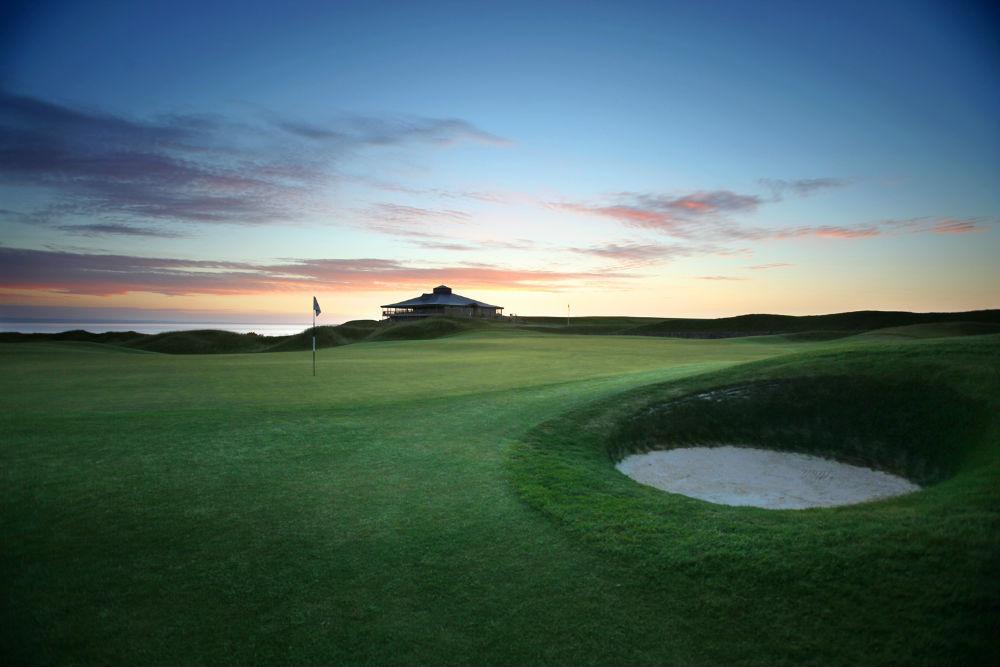 Green et coucher de soleil lors du SSE Scottish Senior open