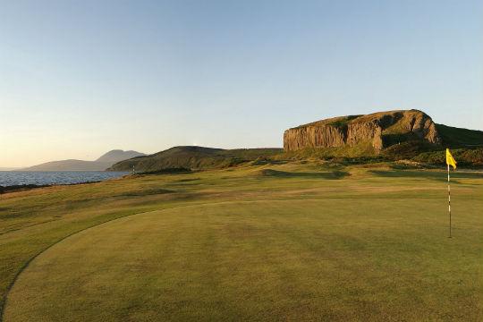 Green et montagne golf de Shiskine