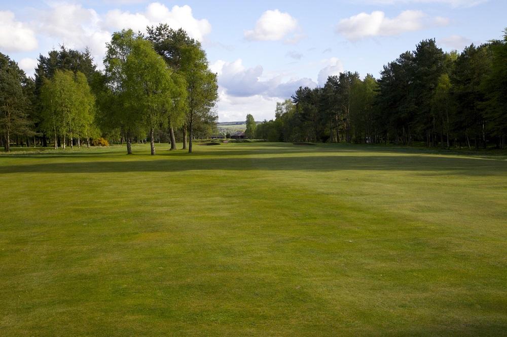 Le fairway du golf de Ladybank.