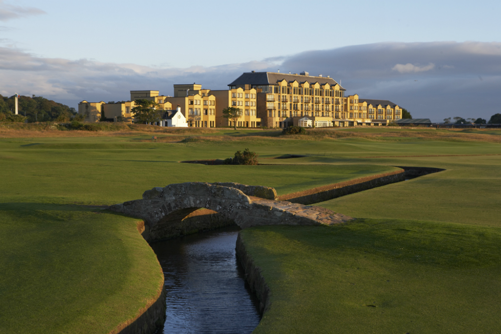 pont et hotel du Old Course à St Andrews