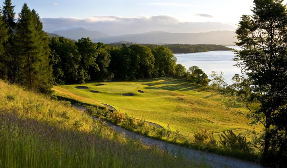 Green et lac sur le parcours The Carrick de Loch Lomond