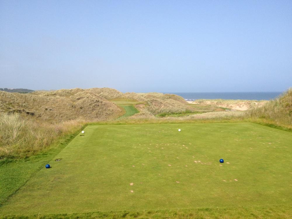Départ dans les dunes sur le parcours du Trump International Golf Links Scotland