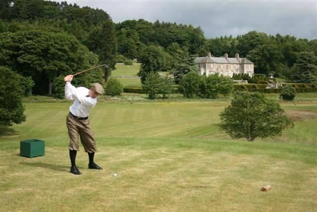 Golfeur jouant à l'ancienne à Kingarrock