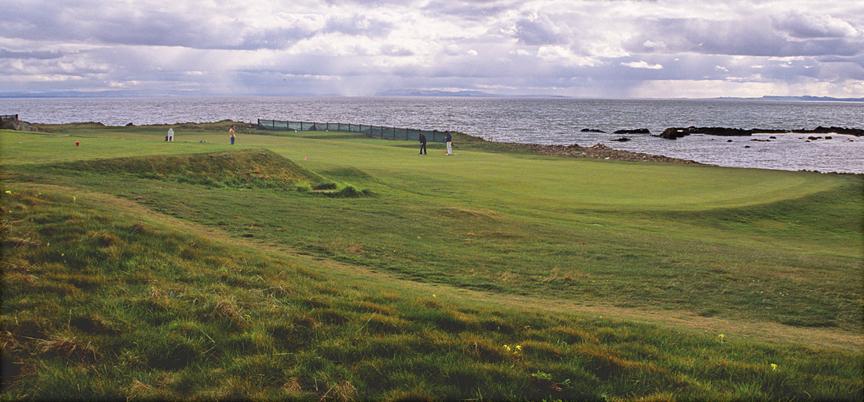 Golfeurs sur le parcours de Elie