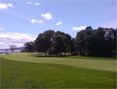 La vue du golf de Loch Lomond.