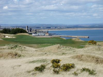 Vue sur la ville sur le Castle Course à St Andrews