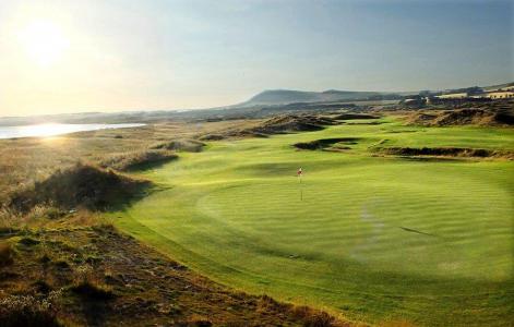 Trou sur le parcours de golf de Dumbarnie Links en Ecosse proche de St Andrews