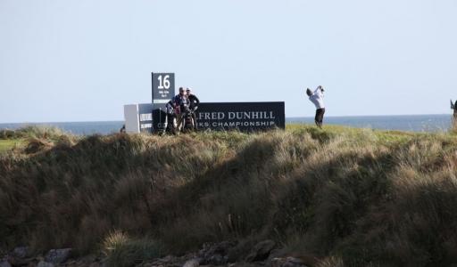 Golfeur au départ du 16 sur le parcours de KIngsbarns lors de la compétition Alfred Dunhill Links