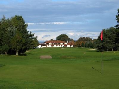 Green et Clubhouse sur le parcours d'Inverness