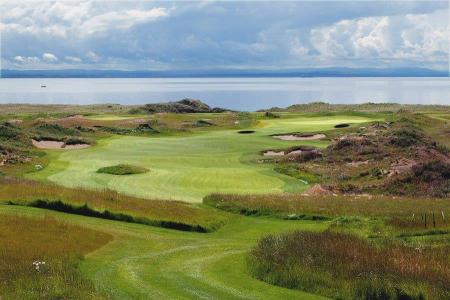 Dogleg droit sur le parcours de golf de Dumbarnie Links en Ecosse proche de St Andrews