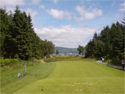 Un départ du golf de Loch Lomond.