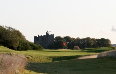 Chateau et green sur le parcours de Castle Stuart