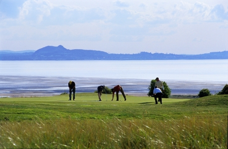 Golfeurs sur le green sur le parcours de Gullane 2