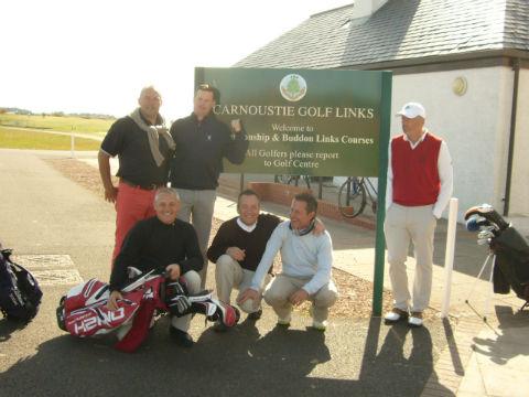groupe de golfeur sur le parcours de Carnoustie en Ecosse