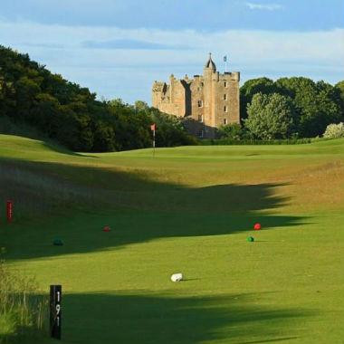 Chateau sur le parcours du Castle Stuart en Ecosse