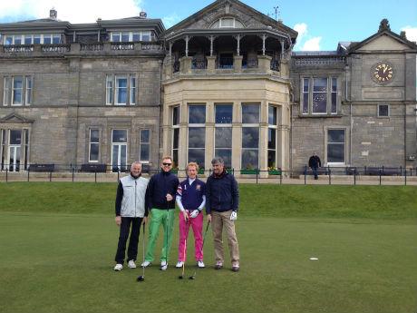 4 Golfeurs sur le départ du Old Course